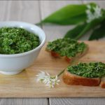 Raccolta dell'Aglio Orsino e la salsa verde della Valceresio