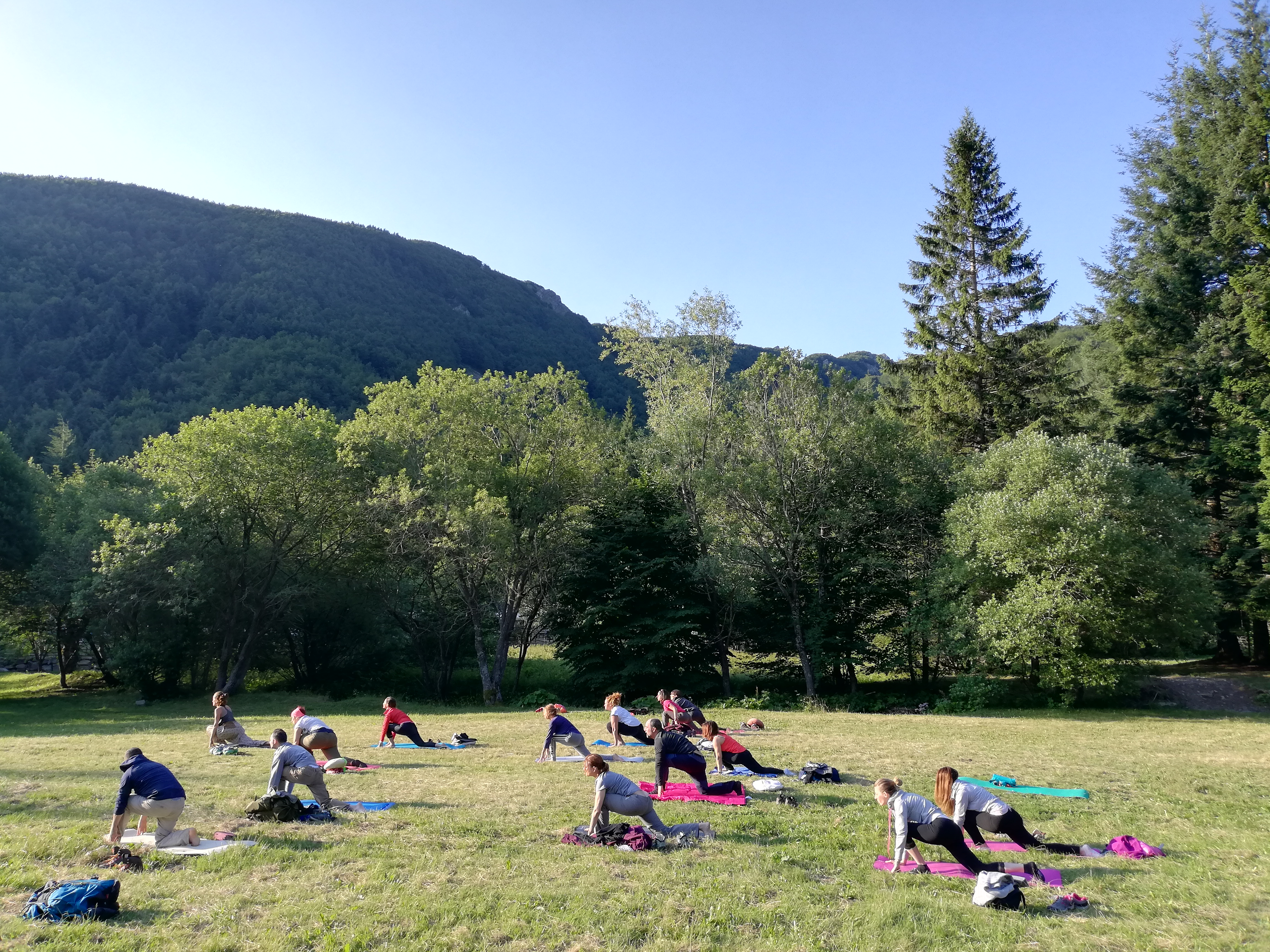Trekking e Yoga hatha Controvento Trekking Lagdei Lago Santo Parma