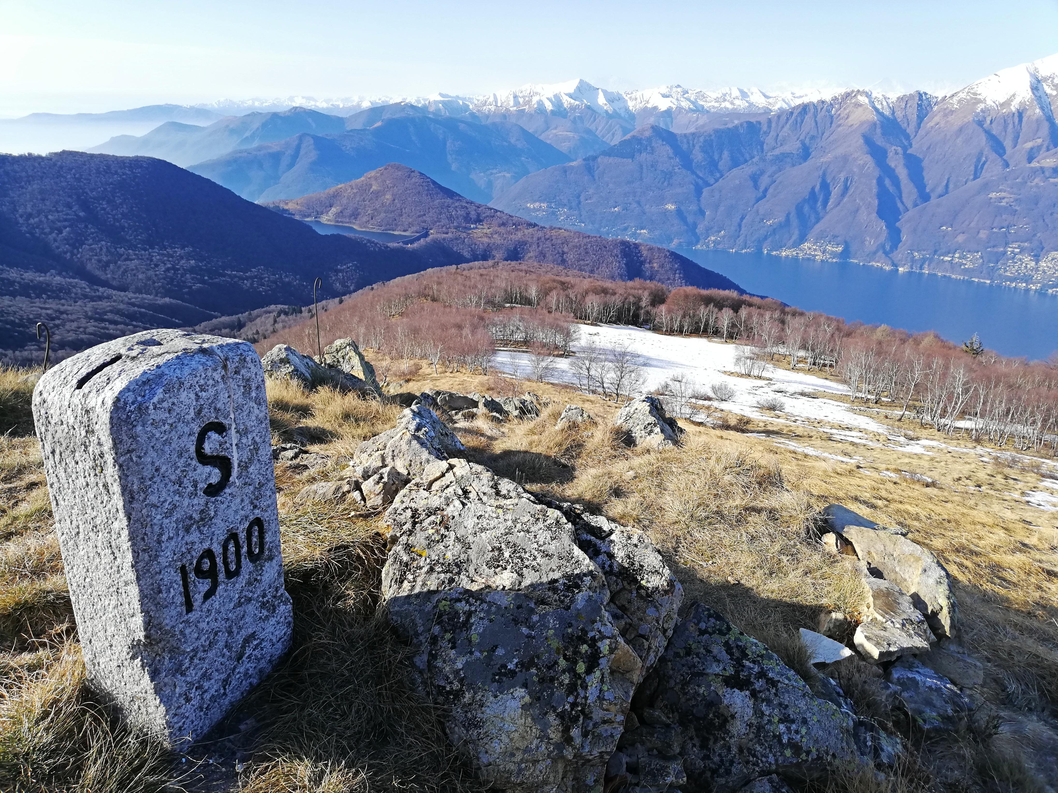 Lago Maggiore escursioni dal passo Forcora al Monte Covreto
